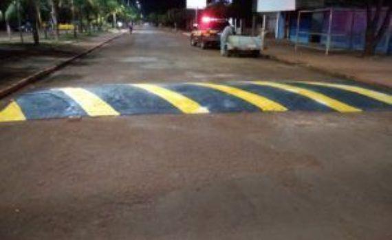 Prefeitura investe na melhoria da sinalização em ruas e avenidas