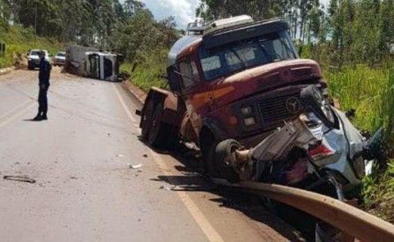 Acidente envolvendo 5 veículos deixa feridos na Rodovia MS-295