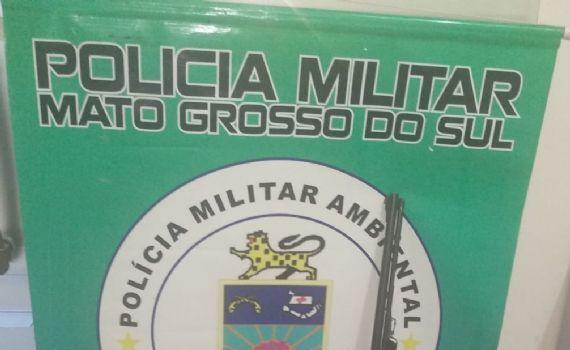 Suspeito de caça ilegal preso com rifle e munições