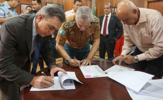Para ampliar serviços na segurança pública, secretários assinam termo de cinco áreas