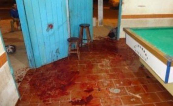 Irmãos ficam gravemente feridos durante briga em bar de Alcinópolis