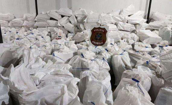 PF apreende mais de 7 toneladas de maconha escondidas em carregamento de milho
