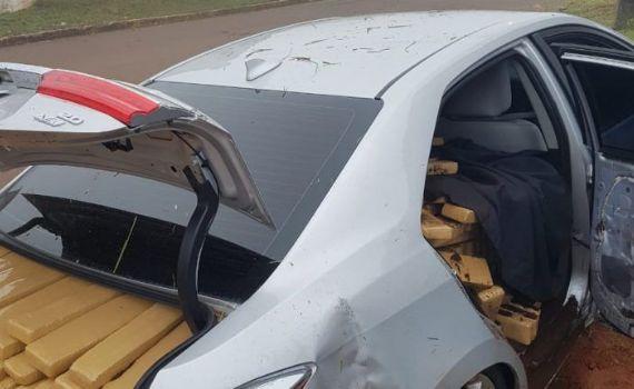 Traficante foge depois de capotar carro com 1 tonelada de maconha
