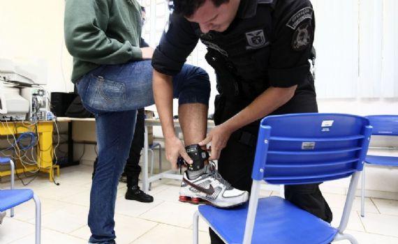 Mulher foragida é recapturada em Cassilândia através da tornozeleira eletrônica