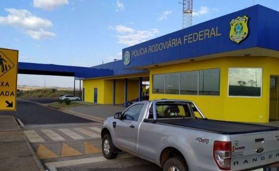 PRF recupera caminhonete roubada