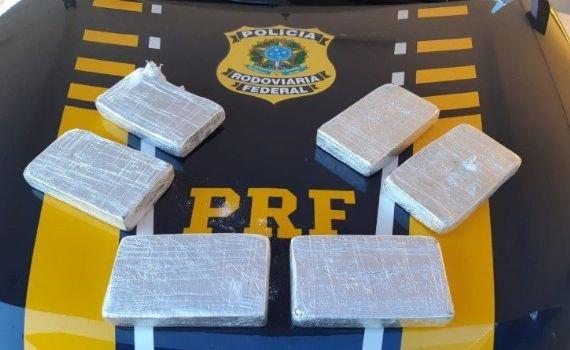 Em Sidrolândia, PRF apreende 6kg de cocaína