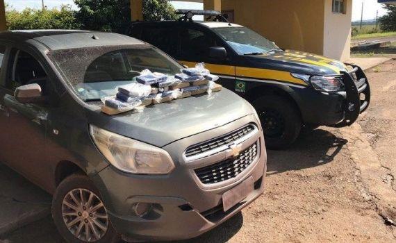 PRF apreende 20 kg de cocaína e motorista é preso