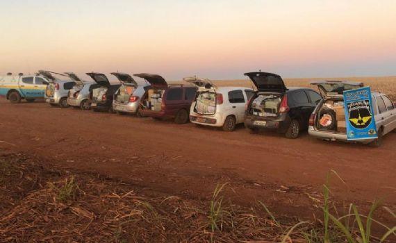 Polícia Militar apreende 8 veículos lotados de produtos de origem paraguaia