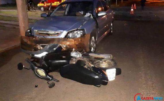 Vítima fatal: Uma motociclista morre após bater cabeça no meio-fio