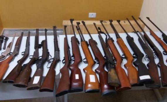 Operação Balcão: venda de armas e munições funcionava dentro de residência