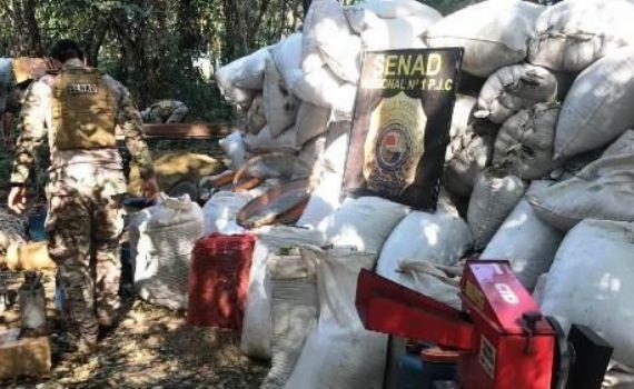 Polícia do Paraguaia destrói acampamento de tráfico na fronteira