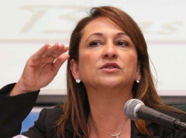 Líder da bancada ruralista rebate Kátia Abreu: 'muda de opinião como troca de blusa'