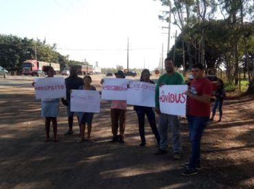 Moradores protestam reivindicando segurança na  BR-163