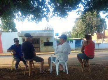 Moradores do Jardim Carioca temem que viaturas parem de circular e crimes aumentem