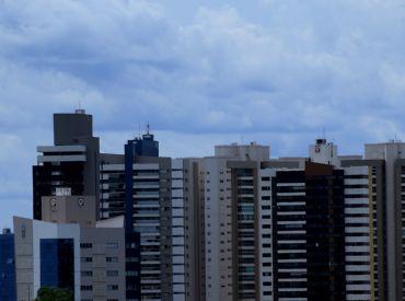Meteorologia indica sexta de tempo nublado com pancadas de chuva em MS
